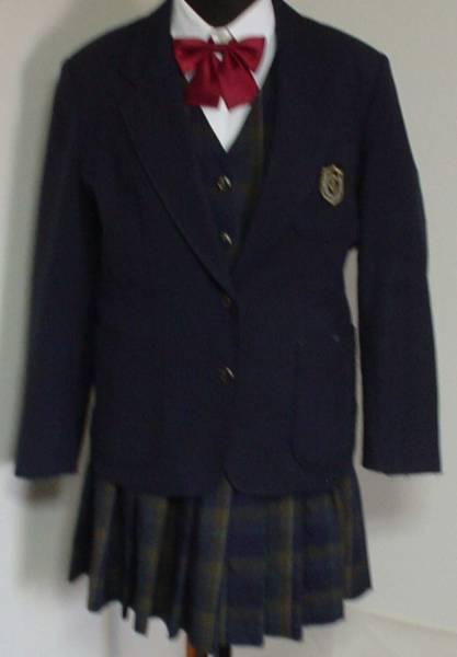 鶴来高等学校制服画像